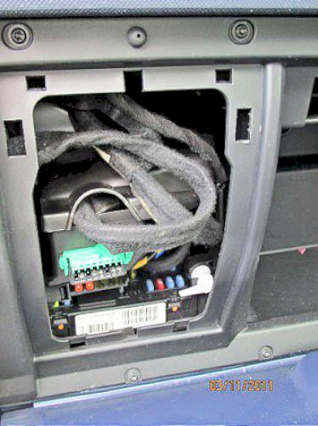 5fuseboxcoveroff peugeot 1007; water in electrics water in fuse box car at n-0.co